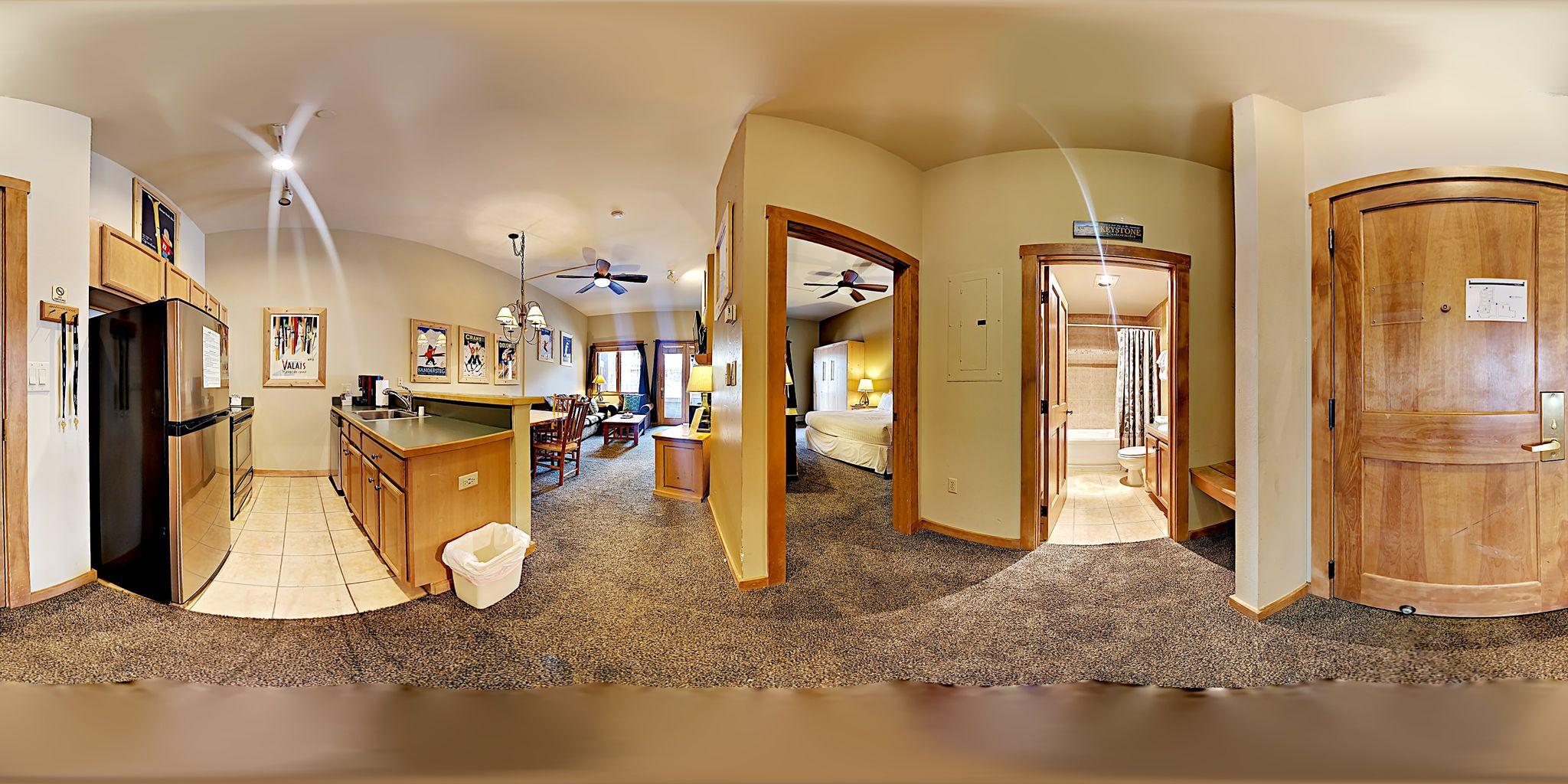Obtenha uma vista imersiva de 360graus das características e da estrutura desta propriedade.